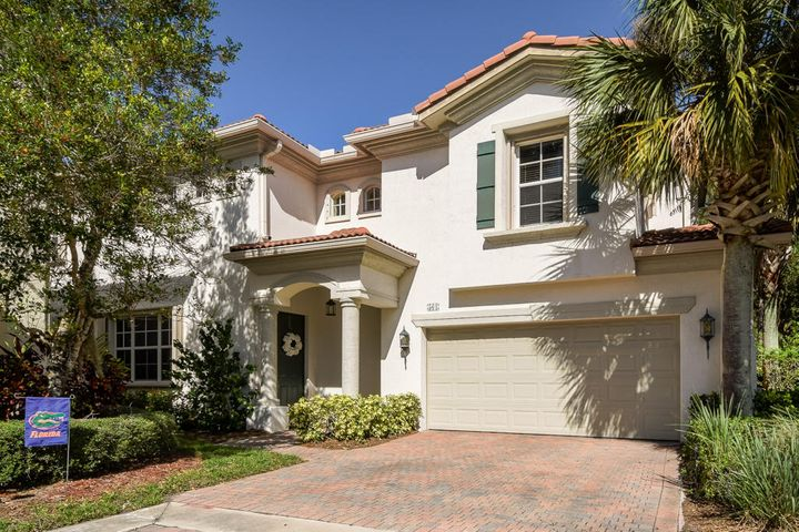 561 Tomahawk Court, Palm Beach Gardens, FL 33410