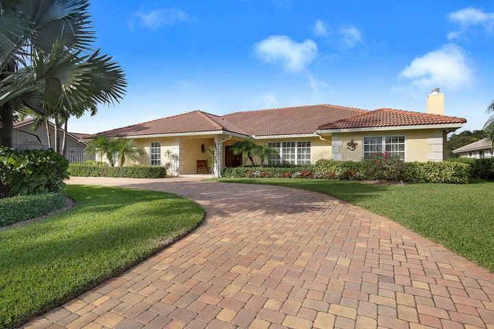 528 N Country Club Drive, Atlantis, FL 33462