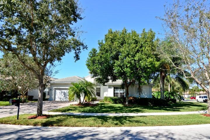 13245 Alhambra Lake Circle, Delray Beach, FL 33446