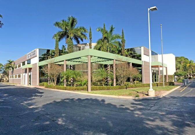 601 Fairway Drive, Deerfield Beach, FL 33441