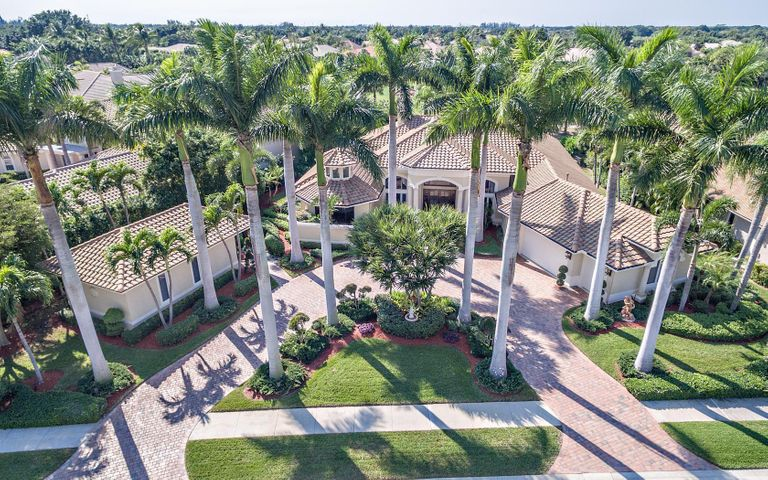 43 Saint Thomas Drive, Palm Beach Gardens, FL 33418
