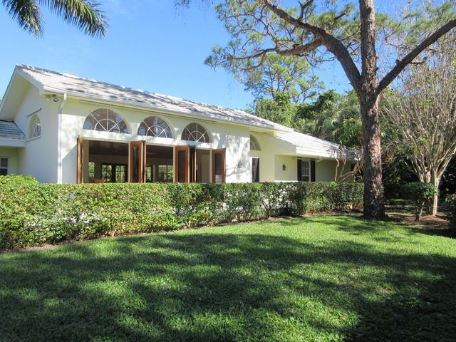 35 Country Road, Village Of Golf, FL 33436