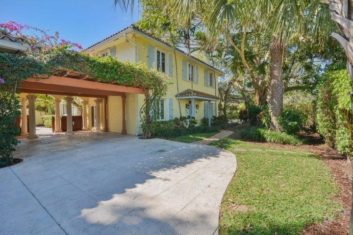 798 Periwinkle Street, Boca Raton, FL 33486