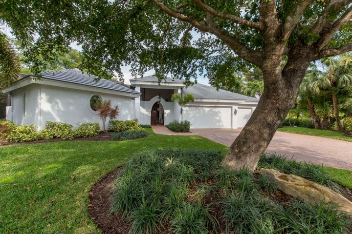 11167 Isle Brook Court, Wellington, FL 33414