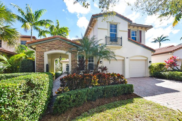 759 Bocce Court, Palm Beach Gardens, FL 33410