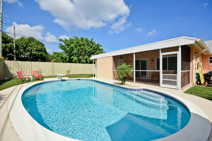 2122 Northridge Road, Delray Beach, FL 33444