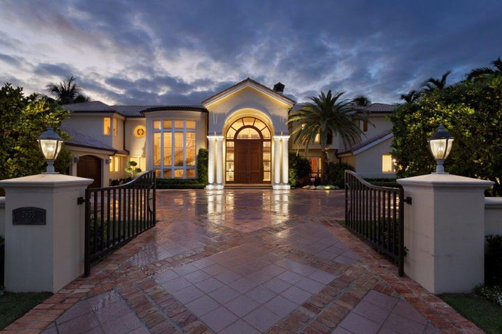 2633 Spanish River Road, Boca Raton, FL 33432