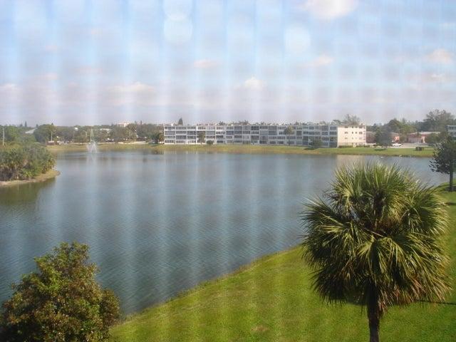 457 Dover C, ., West Palm Beach, FL 33417