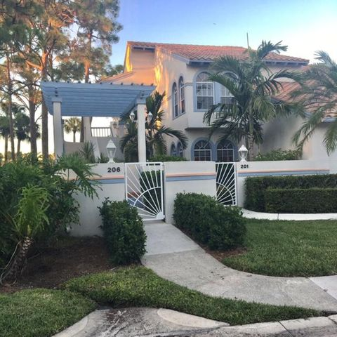 206 Ryder Cup Circle S, Palm Beach Gardens, FL 33418