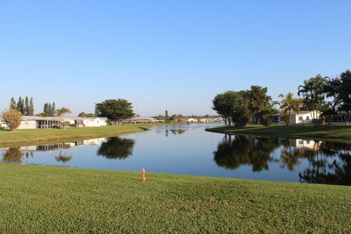 3152 Maria Circle, West Palm Beach, FL 33417