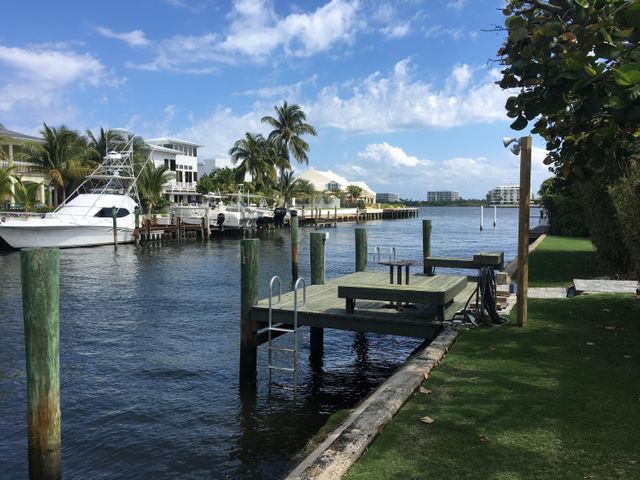 4 Harvard Drive, Lake Worth, FL 33460