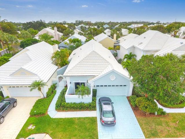 29 Windsor Lane, Palm Beach Gardens, FL 33418