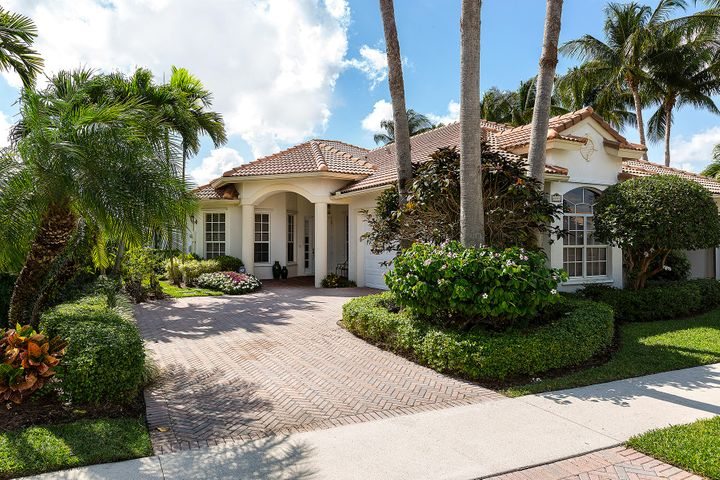 2891 Twin Oaks Way, Wellington, FL 33414