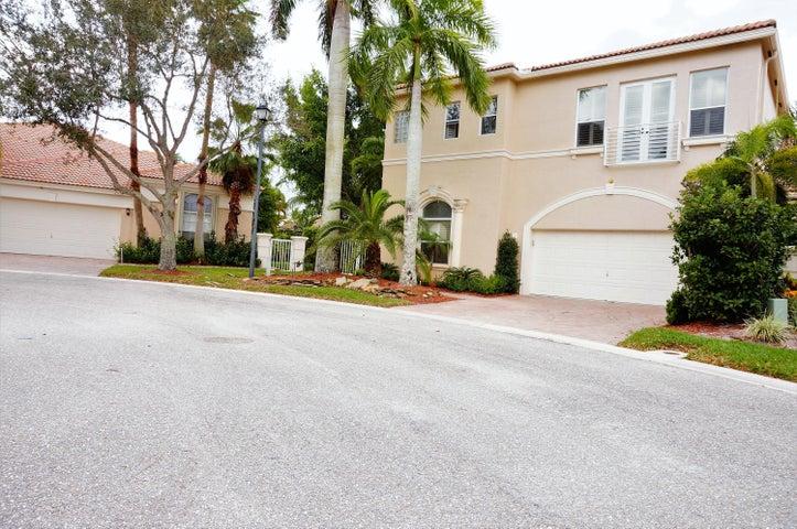 2533 Coakley Point, West Palm Beach, FL 33411
