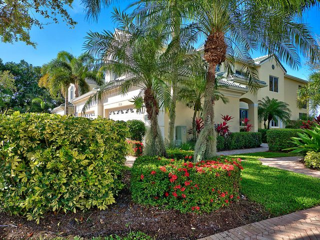 111 Palm Point Circle D, Palm Beach Gardens, FL 33418