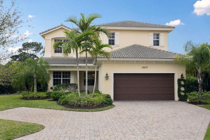 12217 Aviles Circle, Palm Beach Gardens, FL 33418
