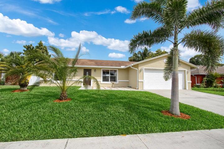 194 Cordoba Circle, Royal Palm Beach, FL 33411