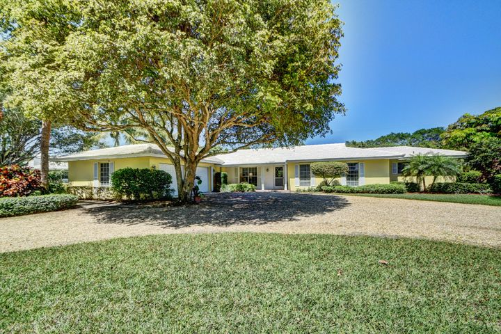 9 Country Road, Village Of Golf, FL 33436