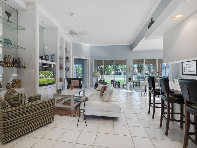 7135 Deer Point Lane, West Palm Beach, FL 33411
