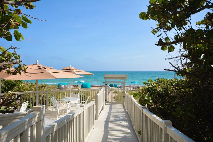 WALK TO YOUR PRIVATE BEACH