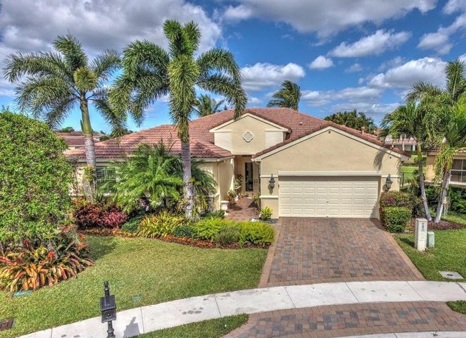 113 San Vincente Place, Palm Beach Gardens, FL 33418