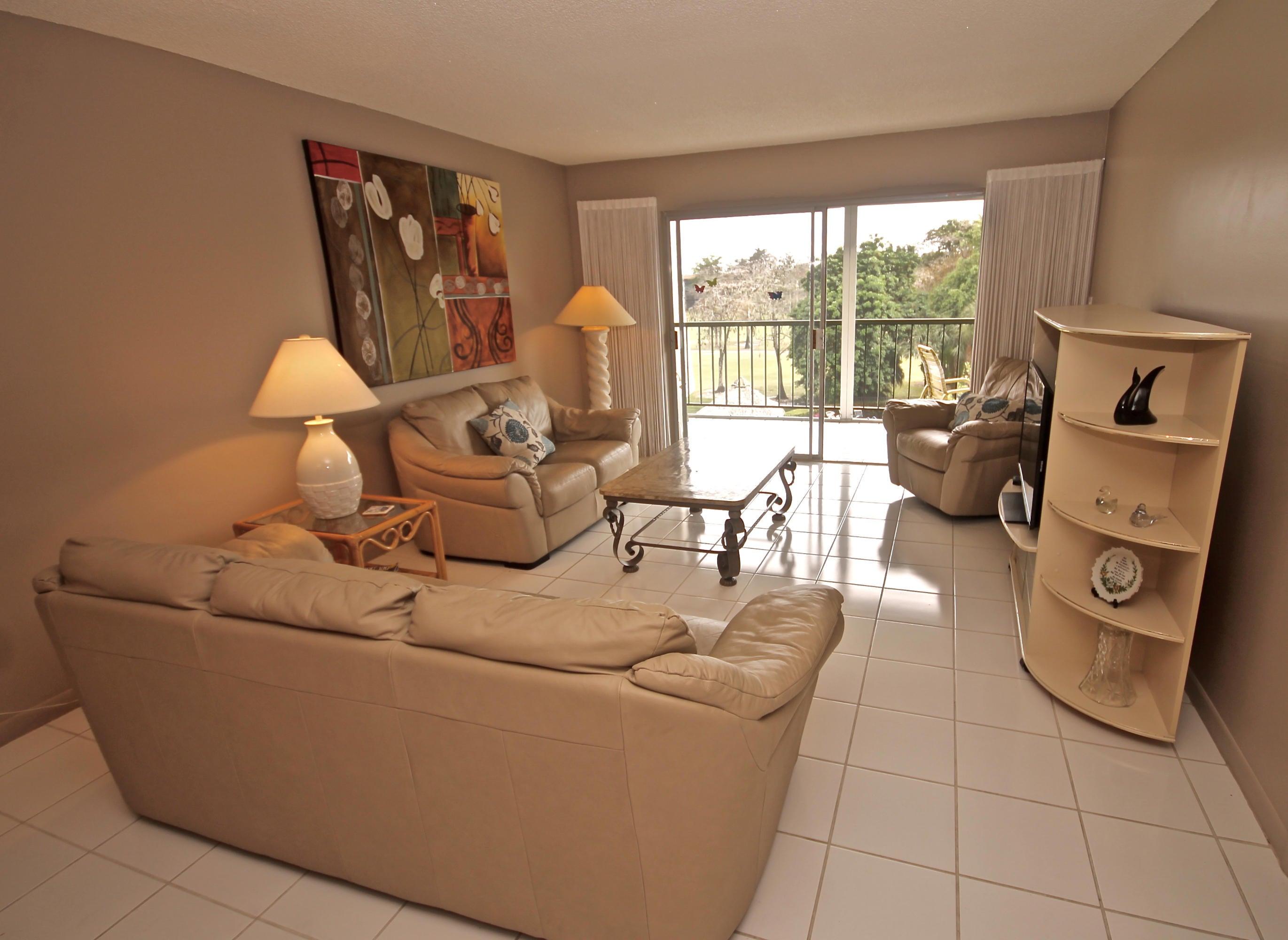 6200 NW 44th Street, 409, Lauderhill, FL 33319