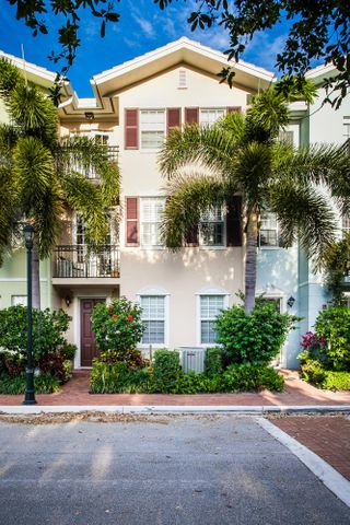 1043 W Heritage Club, Delray Beach, FL 33483