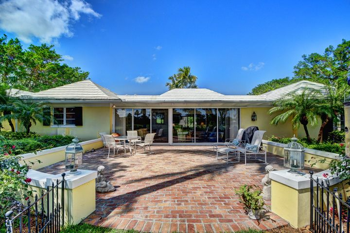 12 Country Road, Village Of Golf, FL 33436
