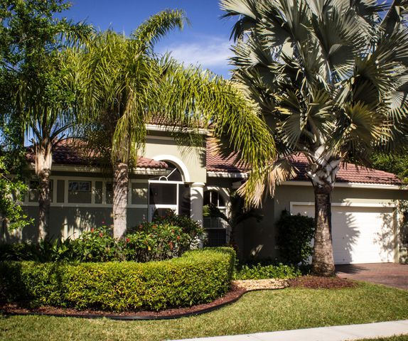 1575 Newhaven Point Lane, West Palm Beach, FL 33411