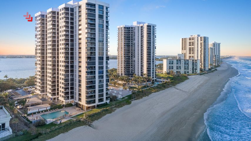 5380 N Ocean Drive, 18b, Singer Island, FL 33404