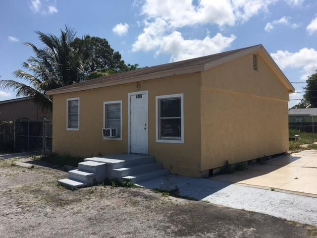 4286 Clinton Boulevard, Lake Worth, FL 33461