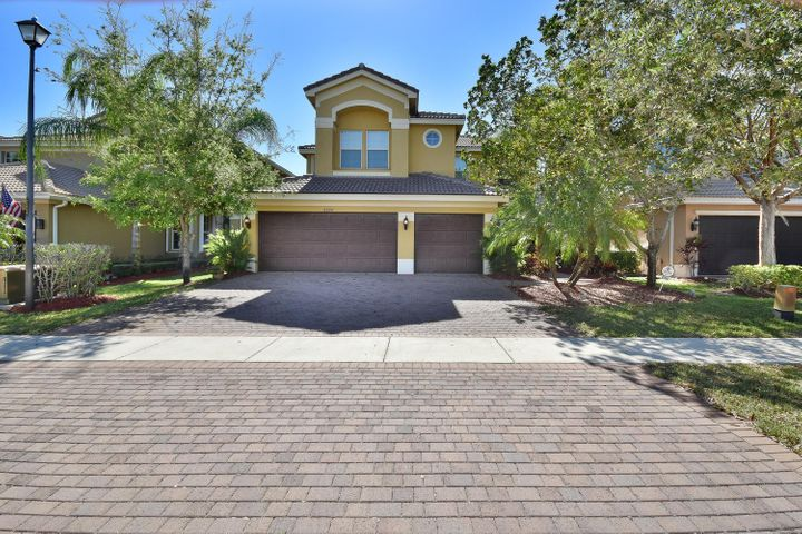 8094 Emerald Winds Circle, Boynton Beach, FL 33473
