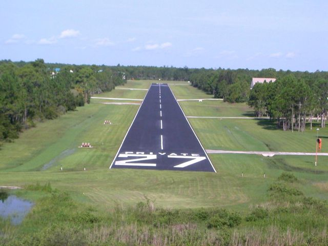 An exclusive airpark community