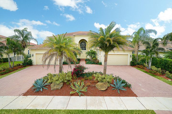 12494 World Cup Lane, Wellington, FL 33414