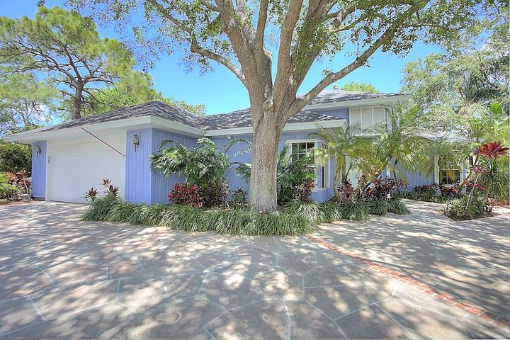 6335 Woodlake Road, Jupiter, FL 33458