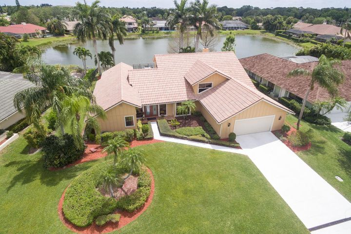 24 Thurston Drive, Palm Beach Gardens, FL 33418