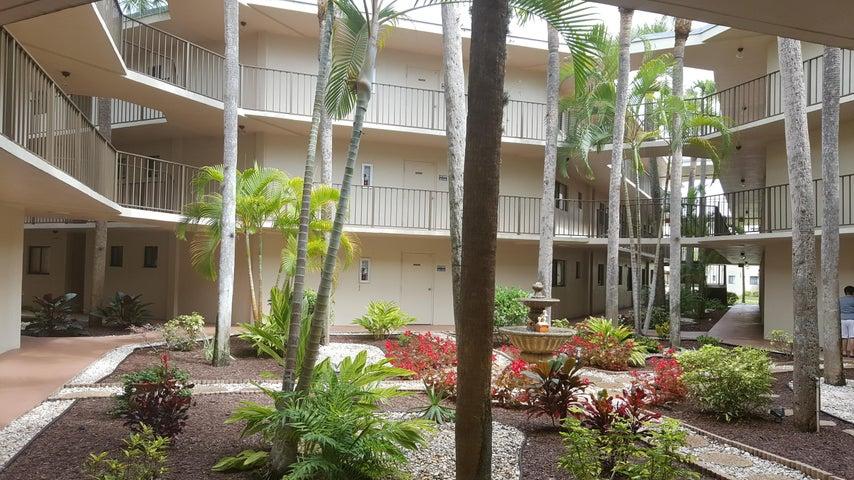 5340 Las Verdes Circle, 124, Delray Beach, FL 33484
