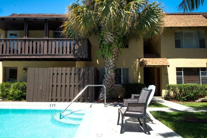 312 Southwind Drive, 206, North Palm Beach, FL 33408