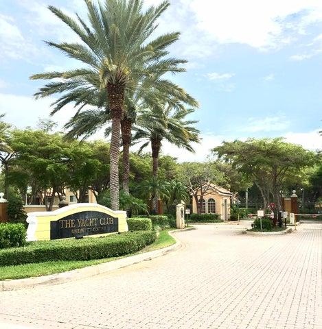 135 Yacht Club Way, 208, Hypoluxo, FL 33462