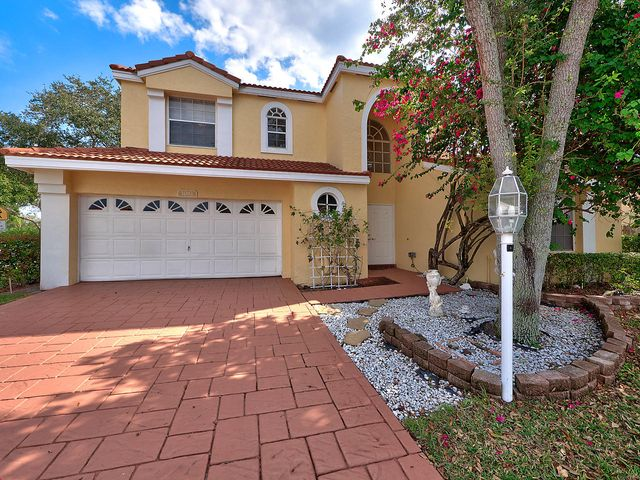1081 Siena Oaks Circle E, Palm Beach Gardens, FL 33410
