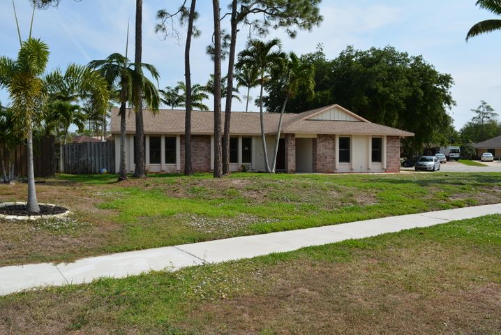 13819 Cornflower Court, Wellington, FL 33414