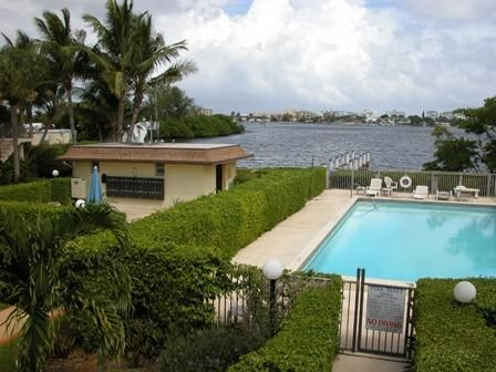 Pool/sauna. Intracoastal at the East end of the complex.