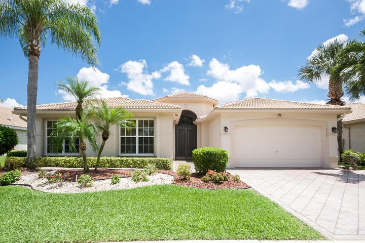 13232 Alhambra Lake Circle, Delray Beach, FL 33446