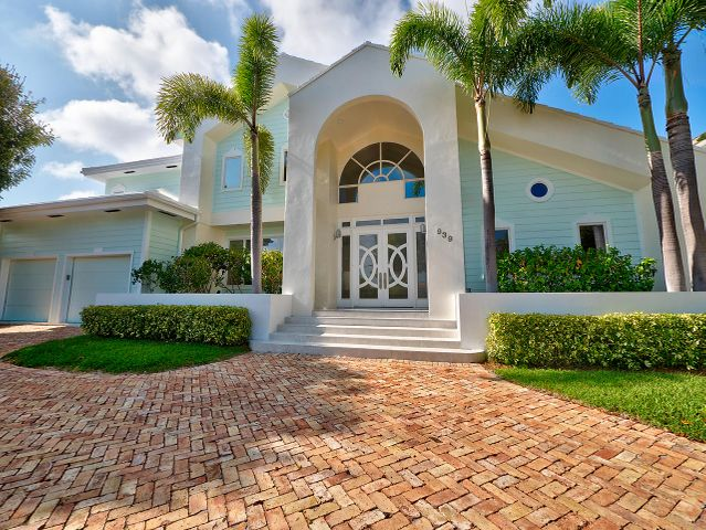 939 Jasmine Drive, Delray Beach, FL 33483