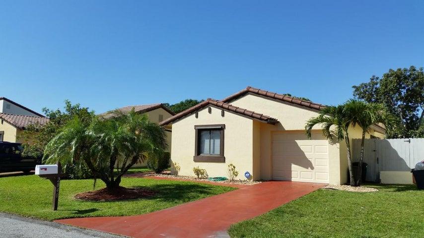 2840 Sand Pines Court, Lake Worth, FL 33462