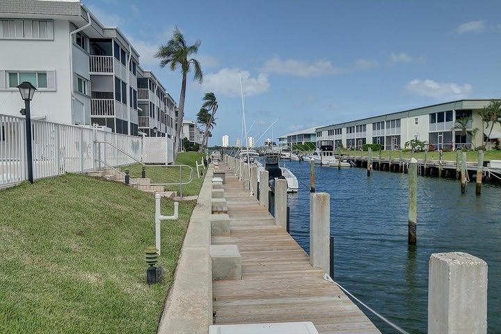 130 Doolen Court, 103, North Palm Beach, FL 33408