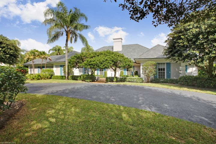 27 Country Road S, Village Of Golf, FL 33436