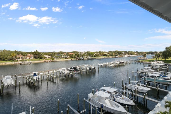 643 Bay Colony Drive S, With Boat Slip #6, Juno Beach, FL 33408