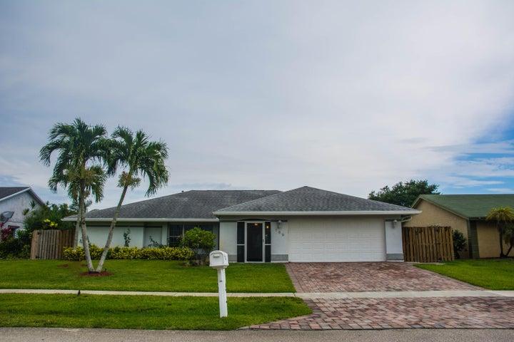 159 Cordoba Circle, Royal Palm Beach, FL 33411