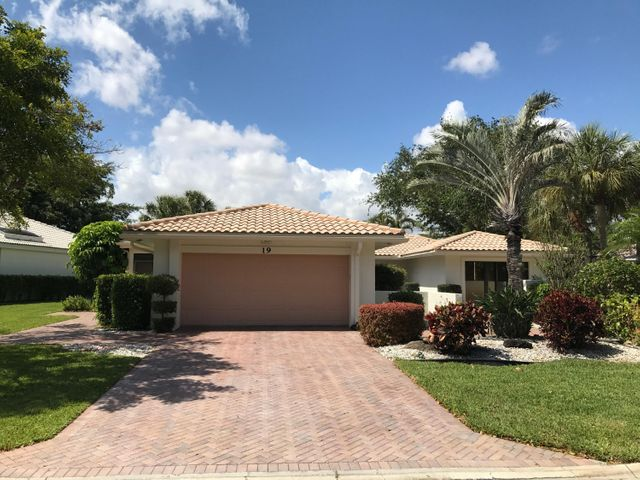19 Hampshire Lane, Boynton Beach, FL 33436